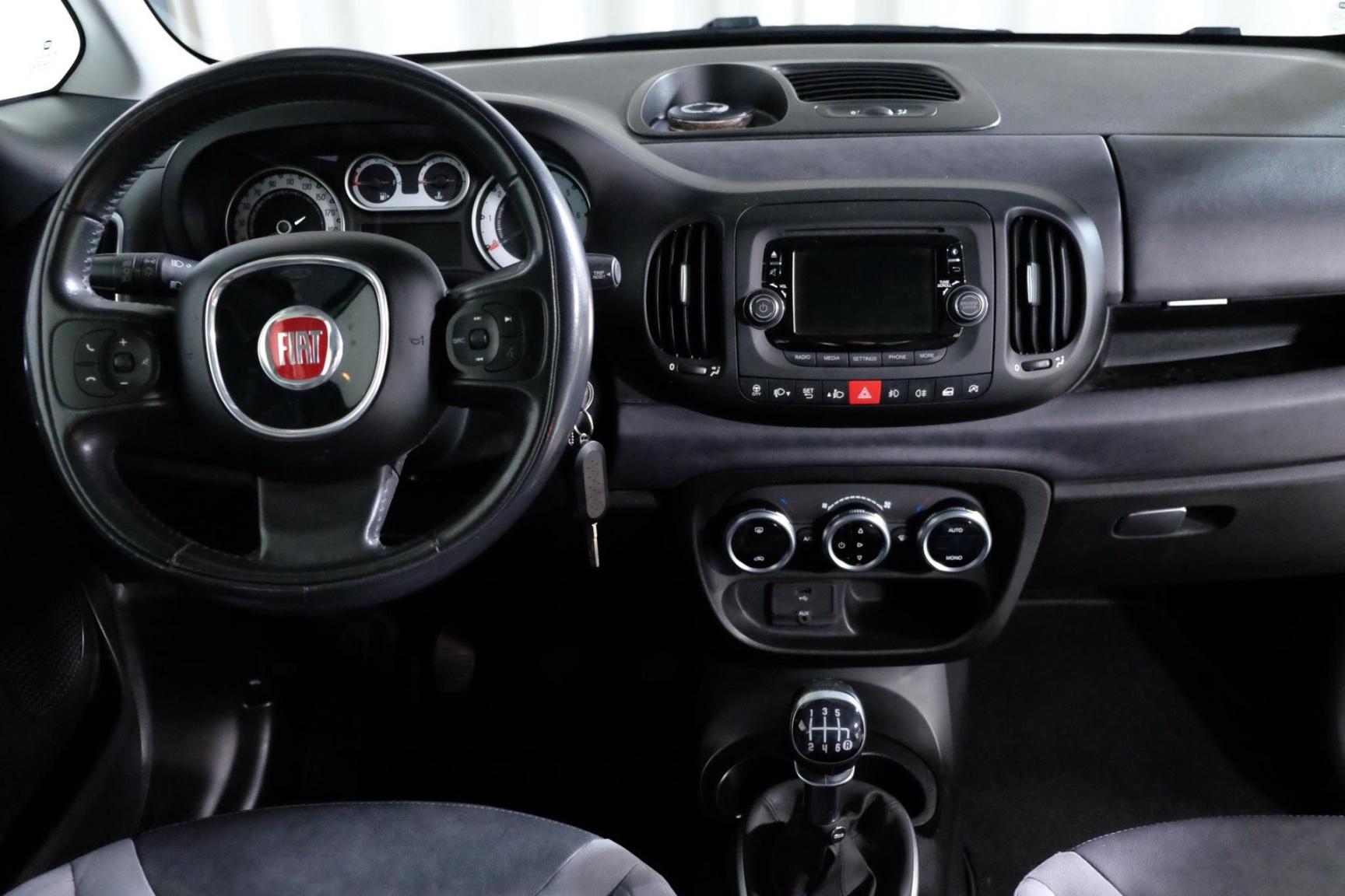 Fiat-500L-18